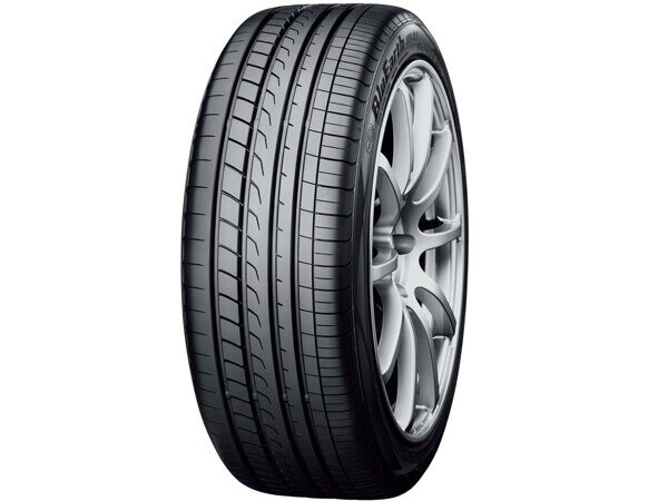 Yokohama BluEarth RV-02  235/50 R18 97V